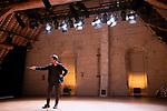MILLE<br /> <br /> Harris Gkekas conception et interpr&eacute;tation<br /> Didier Ambact dispositif sonore<br /> Gabriel F sc&eacute;nographie et lumi&egrave;re<br /> Cadre : Festival Danse &agrave; Royaumont / Entre-Actes/Chor&eacute;graphiques #2<br /> Date : 01/09/2018<br /> Lieu : Abbaye de Royaumont / Grands combles<br /> <br /> Credit photo : Laurent Paillier / Fondation Royaumont
