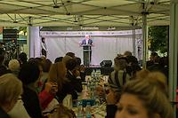 Bundespraesident Joachim Gauck nahm am Montag den 13. Juni 2016 in Berlin Moabit an einem gemeinsamen Fastenbrechen it Muslimen teil.<br /> Im Bild: Der Bundespraesident haelt eine kurze Rede zum Thema Religion und Verstaendigung.<br /> 13.6.2016, Berlin<br /> Copyright: Christian-Ditsch.de<br /> [Inhaltsveraendernde Manipulation des Fotos nur nach ausdruecklicher Genehmigung des Fotografen. Vereinbarungen ueber Abtretung von Persoenlichkeitsrechten/Model Release der abgebildeten Person/Personen liegen nicht vor. NO MODEL RELEASE! Nur fuer Redaktionelle Zwecke. Don't publish without copyright Christian-Ditsch.de, Veroeffentlichung nur mit Fotografennennung, sowie gegen Honorar, MwSt. und Beleg. Konto: I N G - D i B a, IBAN DE58500105175400192269, BIC INGDDEFFXXX, Kontakt: post@christian-ditsch.de<br /> Bei der Bearbeitung der Dateiinformationen darf die Urheberkennzeichnung in den EXIF- und  IPTC-Daten nicht entfernt werden, diese sind in digitalen Medien nach §95c UrhG rechtlich geschuetzt. Der Urhebervermerk wird gemaess §13 UrhG verlangt.]