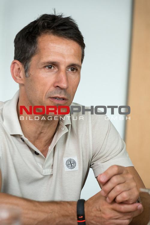 05.08.2014, Gesch&auml;ftstelle, Bremen, Interview Thomas Eichin (Geschaeftsfuehrer Sport Werder Bremen), im Bild<br /> <br /> Interview Thomas Eichin (Geschaeftsfuehrer Sport Werder Bremen)<br /> <br /> Foto &copy; nph / Kokenge