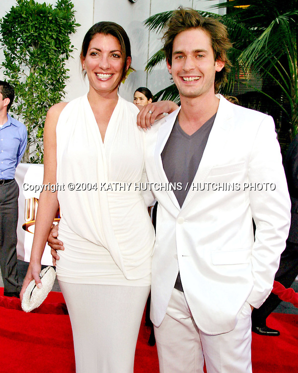 """©2004 KATHY HUTCHINS/HUTCHINS PHOTO .""""VAN HELSING"""" PREMIERE.UNIVERSAL AMPITHEATER.UNIVERSAL CITY, CA.MAY 3, 2004..WILL KEMP AND WIFE"""
