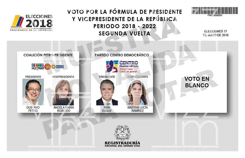 BOGOTA - COLOMBIA, 15-06-2018: La segunda vuelta de las elecciones presidenciales de Colombia de 2018 se celebrarán el domingo 17 de junio de 2018. El candidato ganador gobernará por un periodo máximo de 4 años fijado entre el 7 de agosto de 2018 y el 7 de agosto de 2022. / Colombia's 2018 second round presidential election will be held on Sunday, June 17, 2018. The winning candidate will govern for a maximum period of 4 years fixed between August 7, 2018 and August 7, 2022. Photo: VizzorImage / Cont
