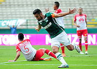 CALI -COLOMBIA-10-04-2016. Andres Perez del Deportivo Cali celebra después de anbotar un gol a Independiente Santa Fe durante partido por la fecha 12 de la Liga Águila I 2016 jugado en el estadio Palmaseca de Cali./ Andres Perez player of Deportivo Cali celebrates after scoring a goal to Independiente Santa Fe during match for the date 12 of the Aguila League I 2016 played at Palmaseca stadium in Cali. Photo: VizzorImage/ NR / Cont