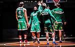 S&ouml;dert&auml;lje 2014-10-01 Basket Basketligan S&ouml;dert&auml;lje Kings - Norrk&ouml;ping Dolphins :  <br /> S&ouml;dert&auml;lje Kings Vincent Simpson g&ouml;r entr&eacute; i T&auml;ljehallen under ett intro inf&ouml;r matchen mot Norrk&ouml;ping Dolphins <br /> (Foto: Kenta J&ouml;nsson) Nyckelord:  S&ouml;dert&auml;lje Kings SBBK T&auml;ljehallen Norrk&ouml;ping Dolphins portr&auml;tt portrait intro