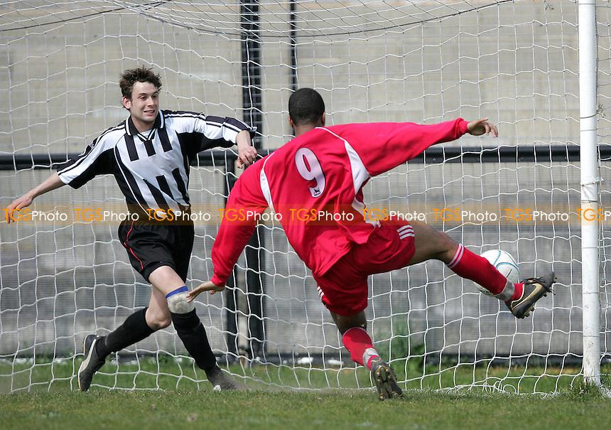 Tilburys Paul King looks on as Jarreau McCartny misses from inches.. - Tilbury vs Aveley - Ryman League Division One North at Chadfields - 09/04/07 - MANDATORY CREDIT: Gavin Ellis/TGSPHOTO