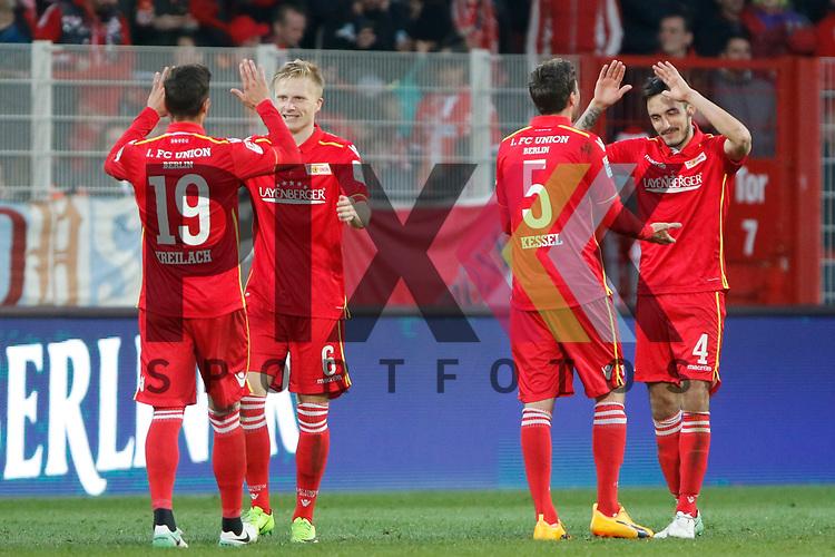 vl Damir Kreilach (Union, 19), Kristian Pedersen (Union, 6), Benjamin Kessel (Union, 5), Roberto Puncec (Union, 4) Jubel nach Spielende, Freude &uuml;ber den Sieg, Erfolg, success beim Spiel in der 2. Bundesliga, 1. FC Union Berlin - SV Sandhausen.<br /> <br /> Foto &copy; PIX-Sportfotos *** Foto ist honorarpflichtig! *** Auf Anfrage in hoeherer Qualitaet/Aufloesung. Belegexemplar erbeten. Veroeffentlichung ausschliesslich fuer journalistisch-publizistische Zwecke. For editorial use only.
