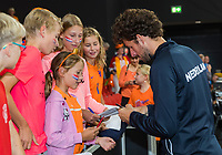 The Hague, The Netherlands, September 17, 2017,  Sportcampus , Davis Cup Netherlands - Chech Republic, Fifth match : Robin Haase (NED) signing autographs<br /> Photo: Tennisimages/Henk Koster