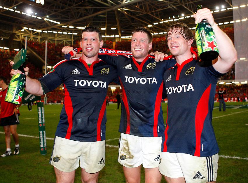 Photo: Richard Lane/Richard Lane Photography. .Munster v Toulouse. Heineken Cup Final. 24/05/2008. .(lt to rt) Munster's Denis Leamy, Ronan O'Gara and Jerry Flannery celebrate victory.