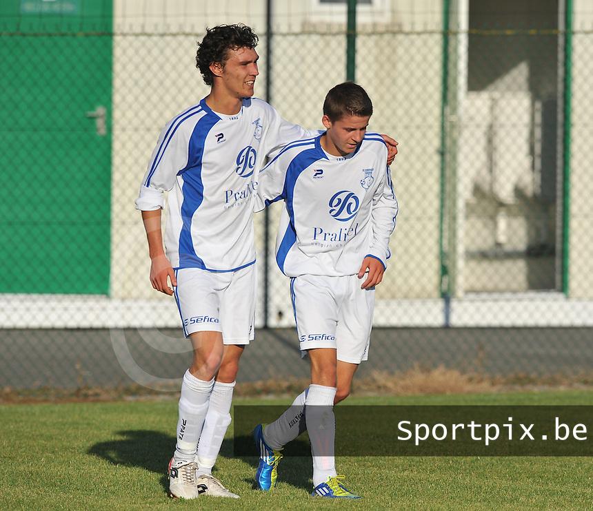 FC Eendracht Kuurne : Preben Neirijnck (rechts) en Aaron Vlieghe (links).foto VDB / BART VANDENBROUCKE