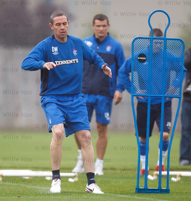 David Weir strolling his way through training