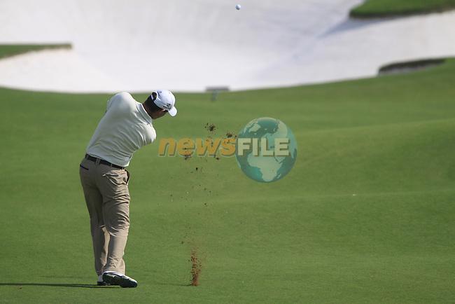 Padaig Harrington plays his 2nd shot on the 5th hole during  Day 2 at the Dubai World Championship Golf in Jumeirah, Earth Course, Golf Estates, Dubai  UAE, 20th November 2009 (Photo by Eoin Clarke/GOLFFILE)
