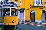 Transporte em bondes, Lisboa. Portugal. 2014. Foto de Lineu Kohatsu.