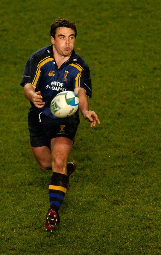 Photo: Richard Lane..Leinster Lions v Sale Sharks. Heinenken Cup. 09/01/2004..Matt Leek.