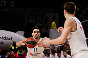 9th February 2018, Wiznik Centre, Madrid, Spain; Euroleague Basketball, Real Madrid versus Olympiacos Piraeus; Facundo Campazzo (Real Madrid Baloncesto) passes to Luka Doncic (Real Madrid Baloncesto)