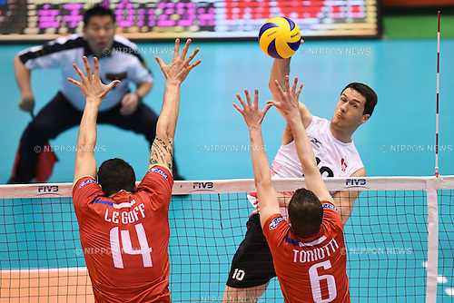 Toontje Van Lankvelt (CAN), <br /> JUNE 2, 2016 - Volleyball :<br /> Men's Volleyball World Final Qualification for the Rio de Janeiro Olympics 2016<br /> match between France 3-0 Canada <br /> at Tokyo Metropolitan Gymnasium, Tokyo, Japan.<br /> (Photo by AFLO SPORT)