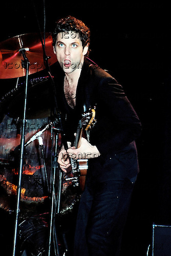 Fleetwood Mac - lead guitarist Lindsey Buckingham performing live on the Tusk Tour at Wembley Arena in London UK - 19 Jun 1980.  Photo credit: Alan Perry/IconicPix