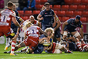 29th September 2017, AJ Bell Stadium, Salford, England; Aviva Premiership Rugby, Sale Sharks versus Gloucester; Sale Sharks' Faf de Klerk scores a try