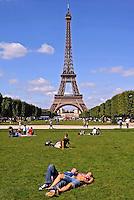 Jardim da Torre Eiffel em Paris. França. 2008. Foto de Ricardo Azoury.
