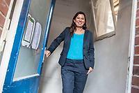 Die Berliner Schulsenatorin Sandra Scheeres (im Bild) besuchte am Freitag den 19. Oktober 2018 zusammen mit dem Bezirksbuergermeister von Neukoelln, Martin Hikel, und der Bildungsstadtraetin Karin Korte die Karl-Weise-Grundschule im Bezirk Neukoelln, um sich ein Bild von den Sanierungsmassnahmen zu machen. Fuer die Schulkinder sind fuer die Dauer der Bauarbeiten an dem 1093 gebauten Toilettenpavillon WC-Container aufgestellt worden.<br /> Das Land Berlin investiert in den kommenden Jahren 5,5 Milliarden Euro in die Sanierung und in den Bau von Schulgebaeuden. <br /> 19.10.2018, Berlin<br /> Copyright: Christian-Ditsch.de<br /> [Inhaltsveraendernde Manipulation des Fotos nur nach ausdruecklicher Genehmigung des Fotografen. Vereinbarungen ueber Abtretung von Persoenlichkeitsrechten/Model Release der abgebildeten Person/Personen liegen nicht vor. NO MODEL RELEASE! Nur fuer Redaktionelle Zwecke. Don't publish without copyright Christian-Ditsch.de, Veroeffentlichung nur mit Fotografennennung, sowie gegen Honorar, MwSt. und Beleg. Konto: I N G - D i B a, IBAN DE58500105175400192269, BIC INGDDEFFXXX, Kontakt: post@christian-ditsch.de<br /> Bei der Bearbeitung der Dateiinformationen darf die Urheberkennzeichnung in den EXIF- und  IPTC-Daten nicht entfernt werden, diese sind in digitalen Medien nach &sect;95c UrhG rechtlich geschuetzt. Der Urhebervermerk wird gemaess &sect;13 UrhG verlangt.]