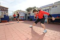 SCHAATSEN: EILAT (ISR): Trainingskamp Team Op=Op Voordeelshop, 17-01-2012, trainer/coach Renate Groenewold, Lisette van der Geest, Moniek Kleinsman, ©foto Martin de Jong