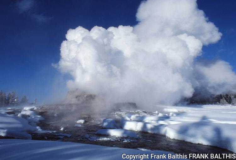 Castle Geyser eruption