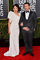 LOS ANGELES, CA. January 06, 2019: Sandra Oh & Andy Samberg  at the 2019 Golden Globe Awards at the Beverly Hilton Hotel.<br /> Picture: Paul Smith/Featureflash