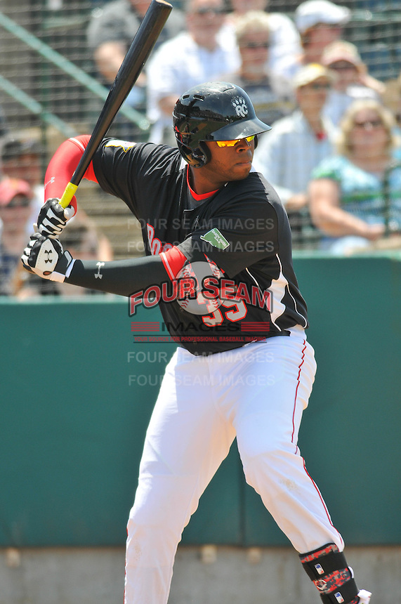 Kennys Vargas (35) of the New Britain Rock Cats bats during a game against the Binghamton Mets at New Britain Stadium on June 1, 2014 in New Britain, Connecticut.  New Britain defeated Binghamton 6-1.  (Gregory Vasil/Four Seam Images)