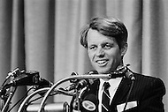 Brooklyn, New York City, NY - April 1, 1968<br /> Presidential candidate and NY senator Robert Kennedy greets supporters during a campaign stop in Fort Greene, Brooklyn. <br /> Brooklyn, New York City, NY, 1er Avril 1968.<br /> Apres une conf&eacute;rence de Presse, Robert Kennedy, s&eacute;nateur de New York, s&rsquo;arr&ecirc;te &agrave; Fort Greene pour un contact avec ses sympathisants.