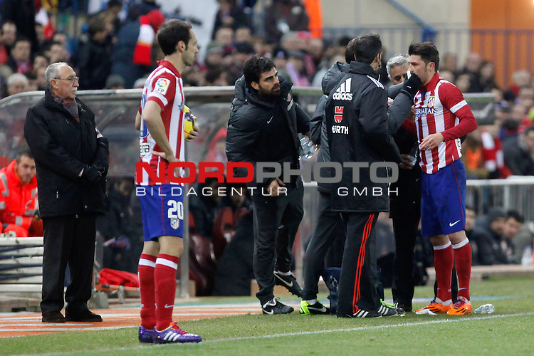 Atletico de Madrid¬¥s David Villa (R) and Juanfran during La Liga 2013-14 match at Vicente Calderon stadium, Madrid. December 21, 2013. Foto © nph / Victor Blanco)