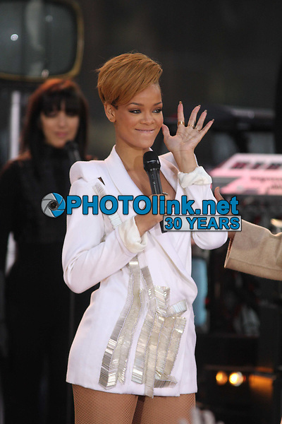 Rihanna on Good Morning America 2009<br /> Photo By John Barrett/CelebrityArchaeology.com