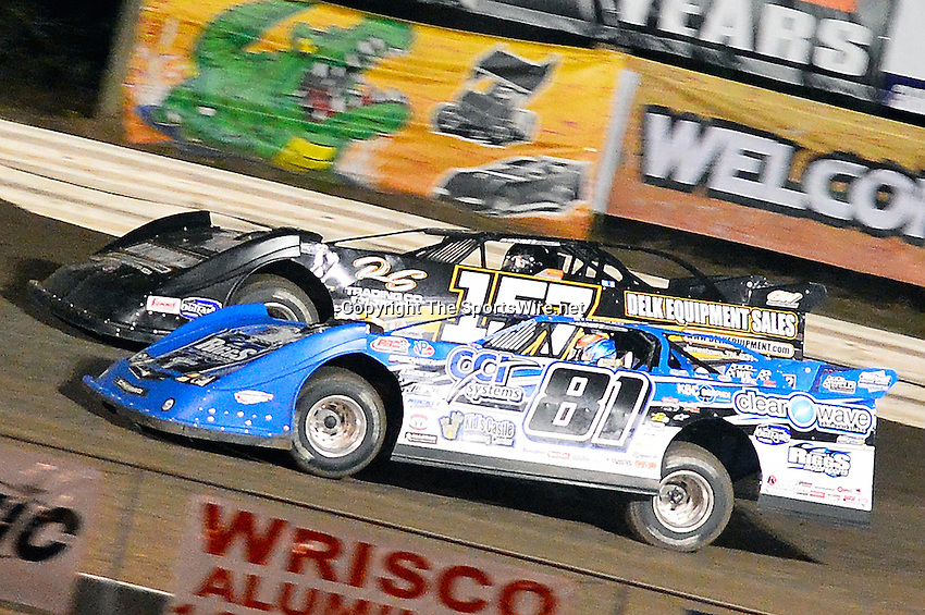 Feb 20, 2014; 7:50:49 PM;  Barberville, FL, USA;  World of Outlaws Late Model Series for 43rd Annual DIRTcar Nationals presented by Summit Racing Equipment at Volusia Speedway Park.  Mandatory Credit: (thesportswire.net)