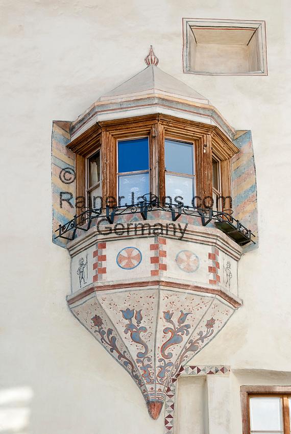 Schweiz, Graubuenden, Muenstertal, Muenster: Erker, Fenster   Switzerland, Graubuenden, Muenster Valley, Muestair: gazebo, window