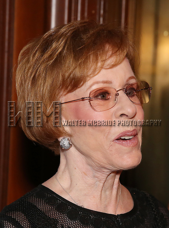 Carol Burnett attends 2017 Dramatists Guild Foundation Gala reception at Gotham Hall on November 6, 2017 in New York City.