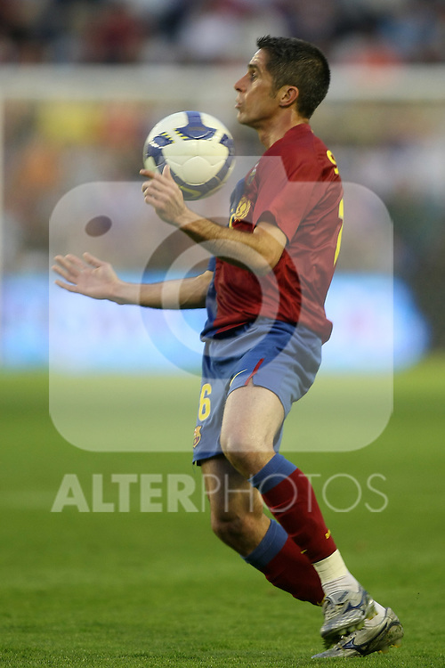 FC Barcelona's Sylvinho during La Liga match.April 4 2009. (ALTERPHOTOS/Acero).