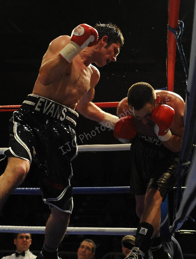 Ryan Evans (Black & White Shorts) V Daniel Thorpe (Black shorts).   Joe Calzaghe Promotions Boxing Evening ,Joe Calzaghe Promotions Boxing Evening .Date: Friday 20/11/2009,  .© Ian Cook IJC Photography, 07599826381, iancook@ijcphotography.co.uk,  www.ijcphotography.co.uk, .