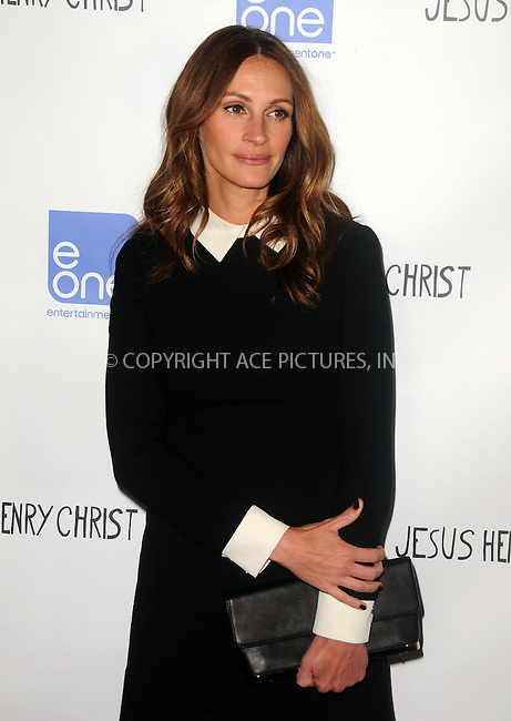 WWW.ACEPIXS.COM . . . . .  ....April 18 2012, New York City....Actress Julia Roberts arriving at the 'Jesus Henry Christ'  Premiere at Manns Chinese 6 on April 18, 2012 in Los Angeles, California....Please byline: PETER WEST - ACE PICTURES.... *** ***..Ace Pictures, Inc:  ..Philip Vaughan (212) 243-8787 or (646) 769 0430..e-mail: info@acepixs.com..web: http://www.acepixs.com