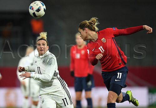 29.11.2016. Chemnitz, Germany.  Germany's Anja Mittag (L) and Norway's Nora Holstad Berge challenge for the ball in the women's international football match between Germany and Norway in the community4you Arena in Chemnitz, Germany, 29 November 2016.