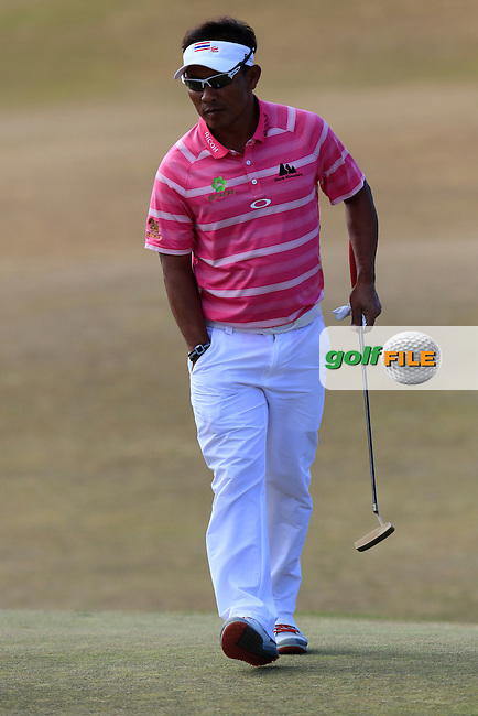 Thongchai JAIDEE (THA) on the 5th green during Friday's Round 2 of the 2015 U.S. Open 115th National Championship held at Chambers Bay, Seattle, Washington, USA. 6/19/2015.<br /> Picture: Golffile | Eoin Clarke<br /> <br /> <br /> <br /> <br /> All photo usage must carry mandatory copyright credit (&copy; Golffile | Eoin Clarke)