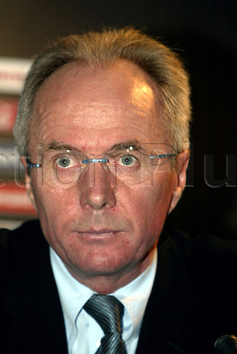 30 November, 2003: Portrait of England manager SVEN GORAN ERIKKSON  at the UEFA Euro 2004 Portugal Draw in Pavilhao Atlantico, Lisbon, Portugal Photo: Glyn Kirk/Action Plus...Soccer Football 031130 managers coaches portraits