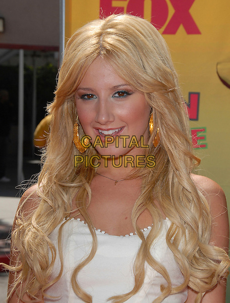 ASHLEY TISDALE.At The 2006 Teen Choice Awards - Arrivals, .held at The Universal Ampitheatre in Universal City, California, USA, August 20th 2006..portrait headshot.Ref: DVS.www.capitalpictures.com.sales@capitalpictures.com.©Debbie VanStory/Capital Pictures