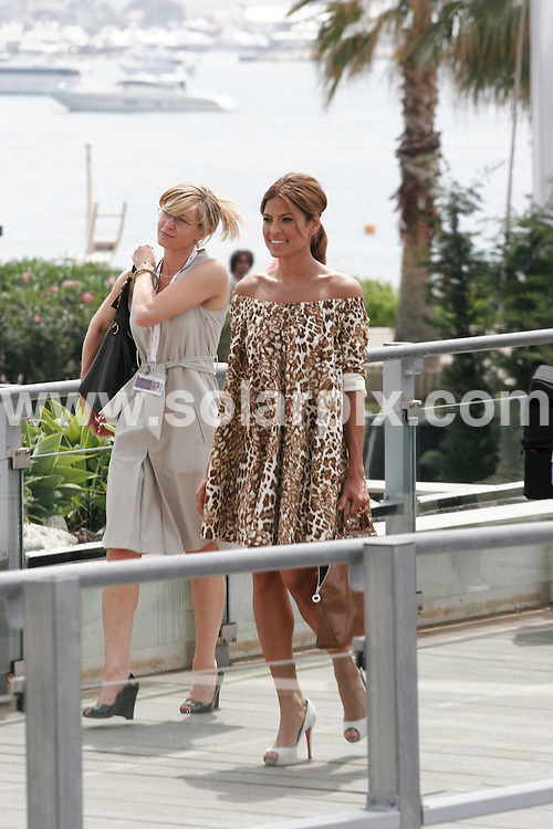 **ALL ROUND PICTURES FROM SOLARPIX.COM**.**WORLDWIDE SYNDICATION RIGHTS**.Eva Mendes attends photocall for 'We Own The Night' at the 60th Cannes Film Festival, France..JOB REF: 4001      JWC        DATE: 25/05/2007.**MUST CREDIT SOLARPIX.COM OR DOUBLE FEE WILL BE CHARGED* *UNDER NO CIRCUMSTANCES IS THIS IMAGE TO BE REPRODUCED FOR ANY ONLINE EDITION WITHOUT PRIOR PERMISSION*