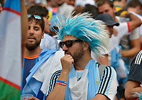 KAZAN - RUSIA, 30-06-2018: Hinchas de Argentina luce decepcionados después del partido de octavos de final entre Francia y Argentina por la Copa Mundial de la FIFA Rusia 2018 jugado en el estadio Kazan Arena en Kazán, Rusia. / Fans of Argentina llok disappointed after the match between France and Argentina of the round of 16 for the FIFA World Cup Russia 2018 played at Kazan Arena stadium in Kazan, Russia. Photo: VizzorImage / Julian Medina / Cont