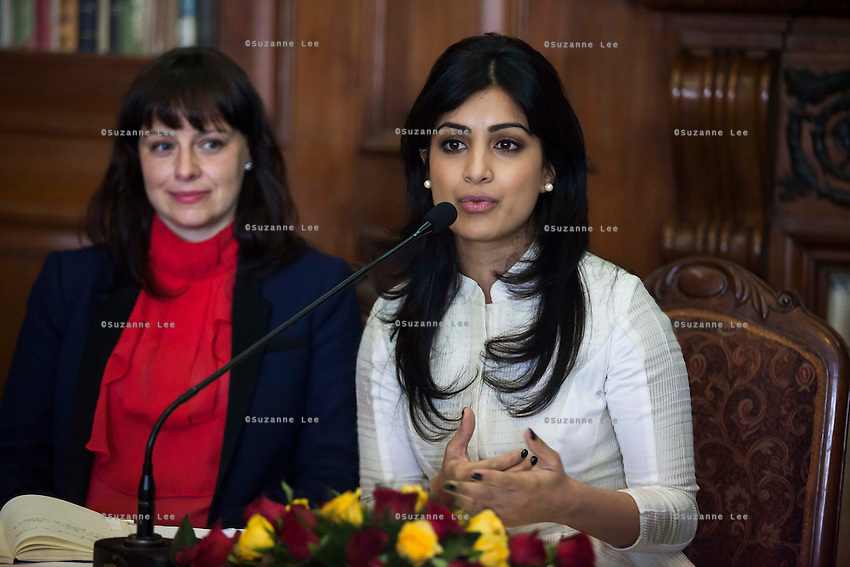 (L-R) Kathryn Deyell (DFAT) listens as Pallavi Sharda (OzFest ambassador) speaks during a press conference on Oz Fest in Raj Mahal Palace hotel, Jaipur, India on 10th January 2013. Photo by Suzanne Lee/DFAT