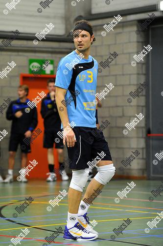 2012-10-13 / Volleybal / Seizoen 2012-2013 / Amigos Zoersel / Dieter Melis ..Foto: Mpics.be