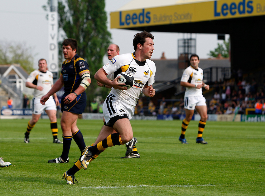 Photo: Richard Lane/Richard Lane Photography..Leeds Carnegie v London Wasps. Guinness Premiership. 10/05/2008. Wasps' Tom Voyce runs in for his third try.