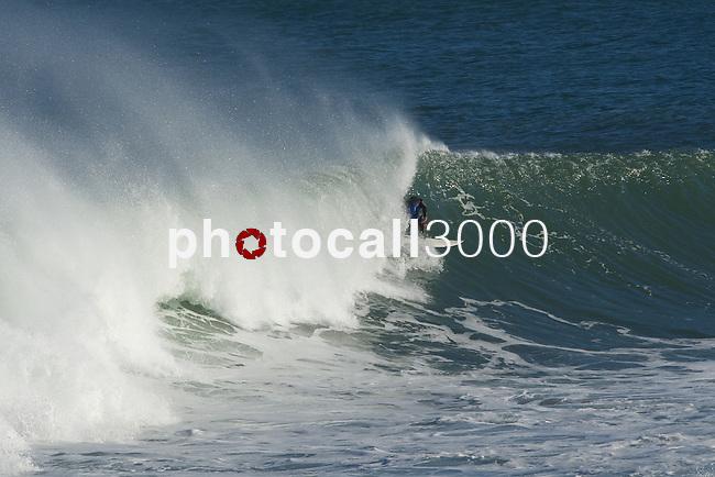Olas en la playa de Mundaka Waves in Mundaka's beach