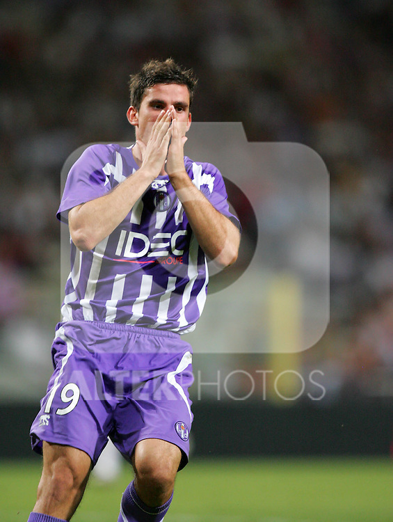 Xavier Pentecote reacts after going close for Toulouse. Toulouse v Trabzonspor, Europa Cup, Second Leg, Stade Municipal, Toulouse, France, 27th August 2009.