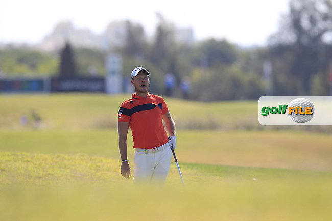 Danny Willett (ENG) on the 18th during the final round of the 2017 Portugal Masters, Dom Pedro Victoria Golf Course, Vilamoura, Portugal. 24/09/2017<br /> Picture: Fran Caffrey / Golffile<br /> <br /> All photo usage must carry mandatory copyright credit (&copy; Golffile | Fran Caffrey)