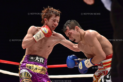 (L-R) Ryoichi Taguchi (JPN), Kwanthai Sithmorseng (THA),<br /> MAY 6, 2015 - Boxing :<br /> Ryoichi Taguchi of Japan in action against Kwanthai Sithmorseng of Thailand during the sixth round of the WBA light flyweight title bout at Ota-City General Gymnasium in Tokyo, Japan. (Photo by Hiroaki Yamaguchi/AFLO)