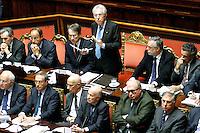 MARIO MONTI ED IL TAVOLO DEI MINISTRI.Roma 22/12/2011 Senato. Voto di Fiducia sulla Manovra Economica.Votation at Senate about austerity plan. .Photo Samantha Zucchi Insidefoto