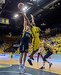 "09.06.2019, EWE Arena, Oldenburg, GER, easy Credit-BBL, Playoffs, HF Spiel 3, EWE Baskets Oldenburg vs ALBA Berlin, im Bild<br /> William""Will"" CUMMINGS (EWE Baskets Oldenburg #3 ) Luke SIKMA (ALBA Berlin #43 ) Rokas GIEDRAITIS (ALBA Berlin #31 )<br /> <br /> Foto © nordphoto / Rojahn"